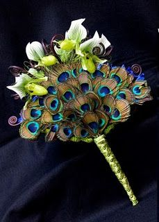 Since you like the teal color... What do you think of peacock feathers for boutonnières or bouquets?