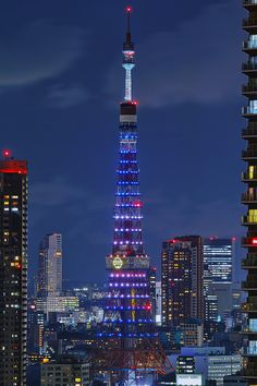 Tokyo Tower with Doraemon's Bell, Japan ドラえもんの誕生日