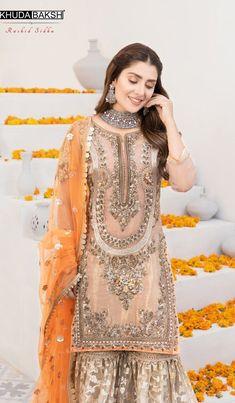 Pakistani Fashion Party Wear, Pakistani Wedding Outfits, Pakistani Dresses Casual, Indian Bridal Outfits, Pakistani Bridal Dresses, Shadi Dresses, Pakistani Dress Design, Pakistani Wedding Dresses, Indian Dresses