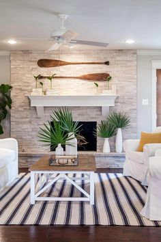 Fixer Upper: A Coastal Makeover for a 1971 Ranch House – Home Design Arts Beach Cottage Style, Coastal Cottage, Coastal Homes, Beach House Decor, Coastal Style, Coastal Farmhouse, Modern Coastal, Coastal Interior, Coastal Industrial