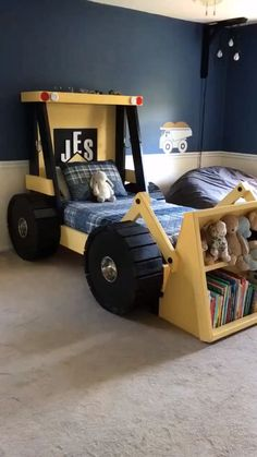 CONSTRUCTION TRUCK BED PLANS (IN DIGITAL FORMAT) - FOR A DIY CONSTRUCTION THEMED ROOM - KID BEDROOM (affiliate link) Cool etsy find for a boys kids bedroom.