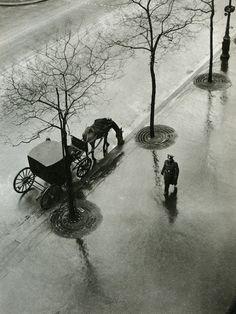 Gustve Roux. Fenêtre de Carrouge, Vaud Suisse, 1931.