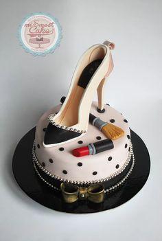 misweetcake ♥ Cake Design: Shoe Cake / Bolo Sapato Senhora / Make up… High Heel Cakes, Shoe Cakes, Unique Cakes, Creative Cakes, Pretty Cakes, Beautiful Cakes, Amazing Cakes, High Heel Kuchen, Fondant Cakes