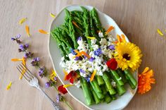 Asparagus with Goat Cheese, Flowers and Orange Vinaigrette by thetasterevelation #Slald #Asparagus #Flowers