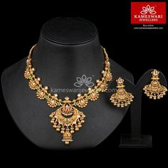 Traditional gold necklaces for women from the house of Kameswari. Shop for antique gold necklace, exquisite diamond necklace and more! Gold Earrings Designs, Gold Jewellery Design, Necklace Designs, Resin Jewellery, Gold Designs, Jewelry Necklaces, Wedding Jewellery Designs, Diamond Necklaces, Antique Jewellery