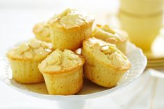 Drizzle sweet vanilla syrup over these pretty almond cakes for a blissful tea time treat! Snack Recipes, Cooking Recipes, Snacks, Sweet Cafe, Vanilla Syrup, Small Cake, Almond Cakes, Pastry Recipes, Savoury Dishes