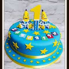 Bananas in pyjamas - everything edible and handmade on this cake One Year Birthday Cake, Birthday Cakes, Birthday Ideas, Banana In Pyjamas, Pajama Party, Cake Smash, Bananas, Cake Ideas, First Birthdays