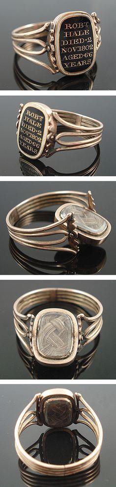 RARE Georgian 15ct Gold Enamel Swivel Hair Locket Ring