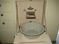 What an aussie classic....the bathroom in a vintage Don Caravan!