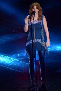 Chiara Galiazzo in Alberta Ferretti - prima serata