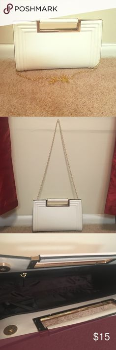 Melie Bianco White Leather Clutch ✨NWOT✨White day clutch w/ gold accents on the handle; gold chain strap included (measurements unknown) 🚫No Trading Melie Bianco Bags Clutches & Wristlets