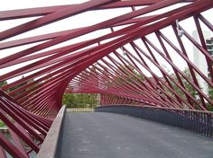 Twisting Optical Illusion Bridge