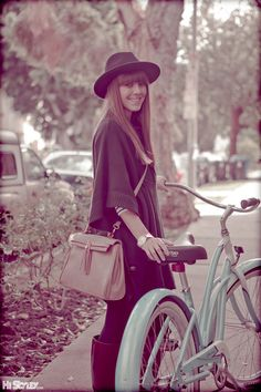 I need a bike. Hipster Grunge, Grunge Goth, Over The Top, Rockabilly, Street Style Vintage, Dutch Bike, Bike Suit, Cycle Chic, Bike Style