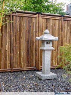 bamboepaal Bamboescherm tuin schermen Bulan. <> Voor meer en uitgebreidere informatie typ je in google : bamboepaal bamboe schutting Bulan <> Nieuw...