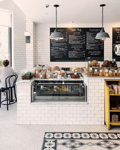 25 Delicious Dining & Drinking Spots to Try This Fall 25 Delicious Dining & Drinking Spots to Try This Fall Bakery Shop Design, Coffee Shop Interior Design, Coffee Shop Design, Cozy Cafe Interior, Bakery Interior Design, Bistro Interior, Farmhouse Restaurant, Deco Restaurant, Restaurant Design