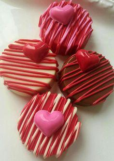Valentines Baking, Valentines Day Chocolates, Valentine Desserts, Valentines Day Treats, Valentine Cookies, Valentine Baskets, Valentine Chocolate, Valentine Gifts, Chocolate Covered Treats