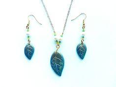 >>NOVITÀ<< Nel mio EtsyShop con sconto del 20%! ;) https://www.etsy.com/it/listing/515958586/parure-foglie-verdi-elegante-ciondoli