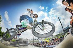 Siegerehrung am Sonntag um 17.45 Uhr +++  »City Jam«: BMX-Fahrer erobern den Kesselbrink