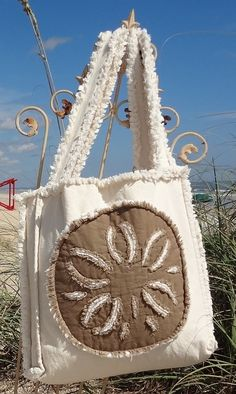 Sea Beach Bag - Sand Dollar Khaki on Ivory