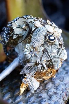 Antique-Brooch-Bouquet-300x450