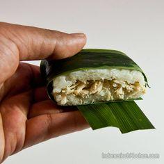 Lemper Ayam Enak, indonesische Klebreis-rollen mit Hühnerfleischfüllung. #rezept #asianfood #kochblog #foodblog #indonesien