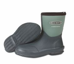 The Original Muck Boot Company is a leading manufacturer of comfortable, high performance outdoor footwear. These men's 4mm cr flex-foam boots feature a breathable airmesh lining, comfort topline, and