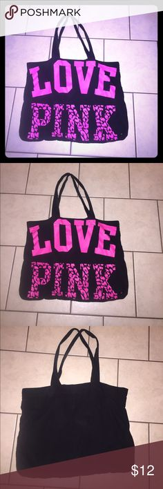 💞🛍Victoria's Secret Bag Black and pink with cheetah print Victoria's Secret PINK beach or gym bag. Lightly used. Still has a lot of life left! ✈️Fast Shipper 💝Discount with bundles PINK Victoria's Secret Bags Hobos