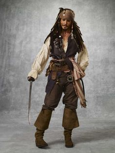 Captain Jack Sparrow (Johnny Depp) 'Pirates of the Caribbean: At World's End' Costume designed by Penny Rose. Captain Jack Sparrow, Jack Sparrow Kostüm, Jack Sparrow Fantasia, Film Pirates, The Pirates, Johnny Depp, Caribbean Jacks, Pirates Of The Caribbean, Pirate Art
