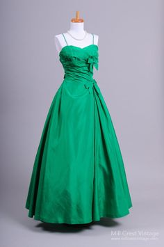 1960's Minuet by Mollie Stone Emerald Vintage Evening Gown : Mill Crest Vintage