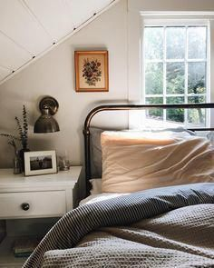 Attic rooms are usually the most appealing interiors in the whole house. You can use them for bedroom, storage room, entertainment room, rec room, or even bathroom! Check out these clever use of attic room ideas! Small Room Bedroom, Cozy Bedroom, Small Rooms, Bedroom Decor, Bedroom Storage, Attic Rooms, Bedroom Ideas, White Bedroom, Master Bedroom