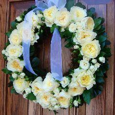 Welcome wedding wreath