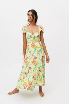 Nice Dresses, Summer Dresses, Cap Sleeves, Urban Outfitters, Fitness Models, Cold Shoulder Dress, How To Wear, Clothes, Neckline