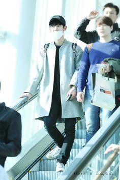 160326: EXO Park Chanyeol | Incheon Airport to Shanghai Airport