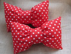 Bow PillowMinnie Mouse Pillow-Decorative Pillow by VivibellesBows