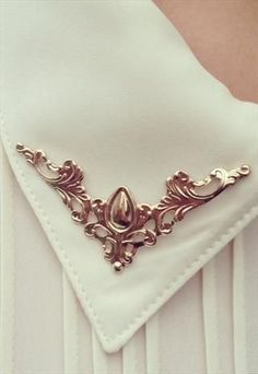 VINTAGE STYLE COLLAR Jewelry Accessories, Fashion Accessories, Fashion Jewelry, Collar Tips, Vintage Outfits, Vintage Fashion, Diy Accessoires, Mode Vintage, Vintage Style