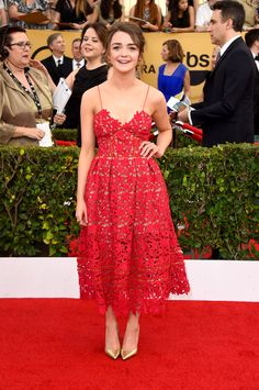 SAG 2015 -- Yay Maisie Williams! The Game of Thrones star looked so pretty in this floral lace dress. via @stylelist