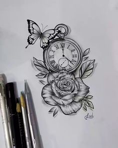 Tatuagens de Cruz: 65 Fotos e Imagems Para Você Acertar na Escolha Cross tattoo with dates and directions, very creative and delicate for all ages. Bild Tattoos, Dope Tattoos, Leg Tattoos, Body Art Tattoos, Clock Tattoos, Clock And Rose Tattoo, Tattos, Rose Drawing Tattoo, Tattoo Drawings