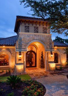 Love this tuscan style home! How inviting!