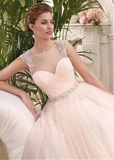 88d8fae514cf Magbridal Elegant Tulle   Satin Bateau Neckline A-line Wedding Dresses With  Beaded Lace Appliques