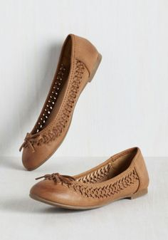 Lemonade Stand a Chance Flat. Take your bevvie booth from just-for-fun to profitable by sporting these Report Footwear flats! How To Tan, Best Tan, Vegan Shopping, Cowgirl Chic, Ballerina Shoes, Dream Shoes, Modcloth, Chunky Heels, Cute Shoes