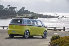 BUZZ Electric Concept Car Will Go Into Production: A microbus announcement from Pebble Beach Concours DElegance Volkswagen, Detroit Auto Show, Pebble Beach Concours, Bike Design, Augmented Reality, Car Show, Van Life, Concept Cars, Comebacks