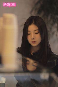 Kwon Eunbi #IZONE Yuri, Aesthetic Videos, Kpop Aesthetic, Kpop Girl Groups, Kpop Girls, Secret Song, Survival, Fandom, Woollim Entertainment