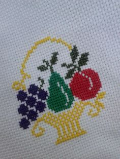 This Pin was discovered by iki Cross Stitch Heart, Simple Cross Stitch, Cross Stitch Borders, Cross Stitch Designs, Cross Stitching, Cross Stitch Embroidery, Hand Embroidery, Cross Stitch Patterns, Crochet Patterns