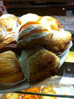 my favorite!...sfogliatelle, warm, right out of the oven...<3