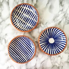 This Casa Cubista bowl was handmade in Portugal and is a modern way to present the traditional platter. They are perfect to put olive oil, pates, Painted Ceramic Plates, Hand Painted Ceramics, Ceramic Painting, Ceramic Bowls, Ceramic Art, Hand Painted Pottery, Ceramic Mugs, Blue Pottery, Pottery Bowls