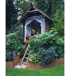 Google Image Result for http://www.frenchblossom.com/blog/wp-content/uploads/2012/07/garden-tree-house-ideas.jpg