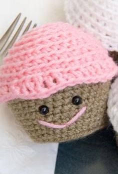 Amigurumi Crochet Cupcake - Free Knitting Patterns by The Itsy Bitsy Spider