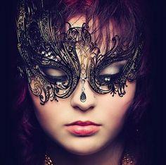 Leda with strass www.maschere.it #filigreemask #womenmask #carnival #romantic #valentinesday