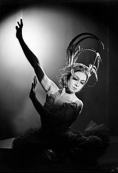 Valentina Blinova in L'Oiseau de feu [The Firebird], Ballets Russes, Sydney, 1936-1937