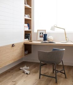 Idea about Home Office Apartment : Coin bureau et menuiserie en laque et bois Home Office Space, Home Office Design, House Design, Simple Desk, Office Interiors, Interiores Design, Interior Inspiration, Study Inspiration, Interior Architecture
